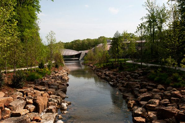 Crystal Bridges Museum of American Art, Bentonville, Ark. Photo courtesy Arkansas Department of Parks and Tourism.
