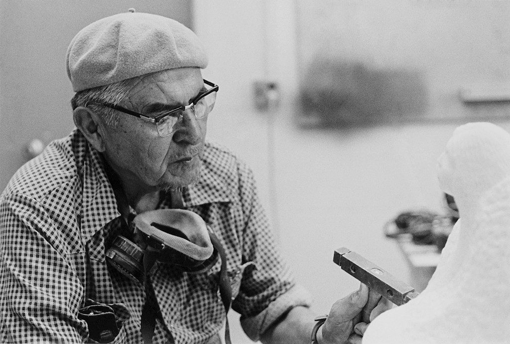 Allan Houser as artist-in-residence at Dartmouth College in 1979. Photo by Matthew Wysocki, courtesy Allan Houser Inc.