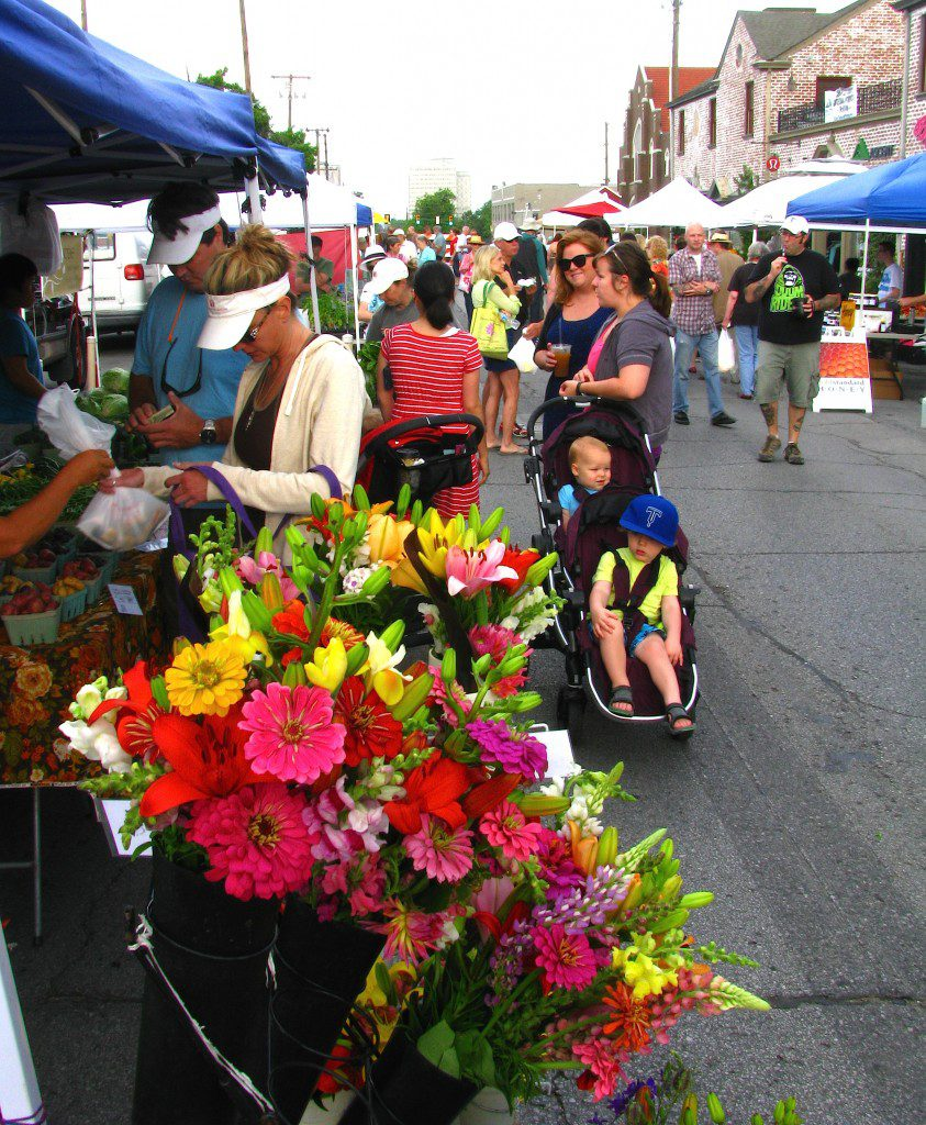 Tulsans flock to the Cherry Street Farmers Market. Photo by Karen Shade.