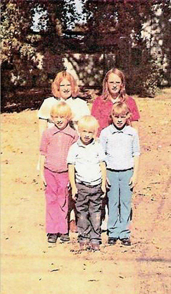 Sean Marsee and his siblings in earlier days. Photo courtesy American Cancer Society.
