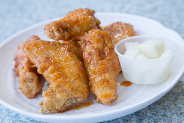 Fusion Café: Wing It specializes in Korean-style chicken wings. Photo by Brent Fuchs.