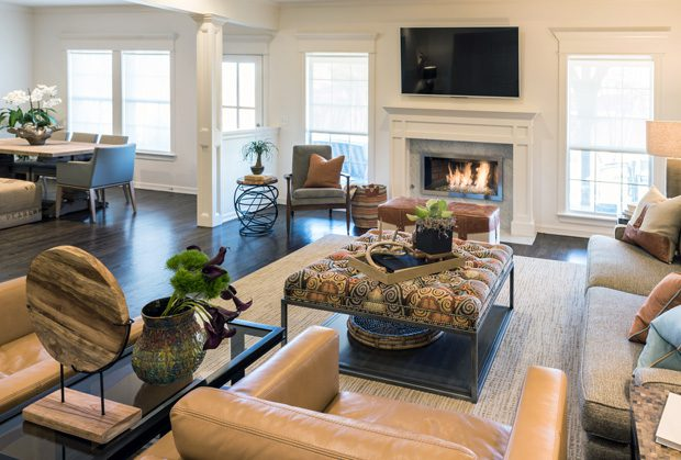 The Shoji White walls are a perfect living room backdrop for classic furnishings.