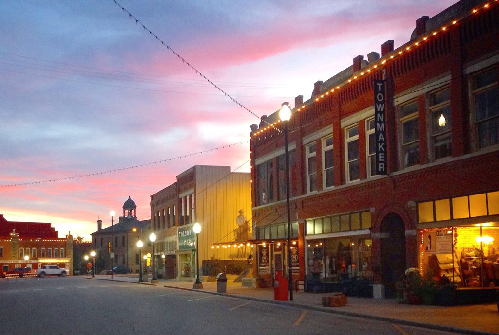 Downtown on kihekah avenue captures the spirit of decades past. Photo courtesy Pawhuska Chamber of Commerce.